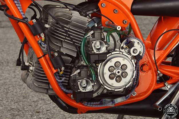 les plus beaux moteurs - Page 6 Villa-10