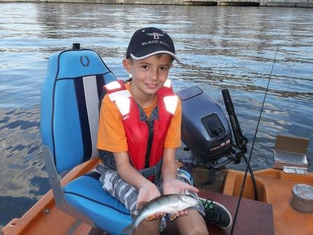 Emmener les gamin à la pêche... 09-bis10