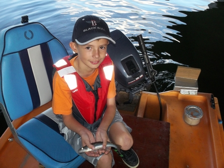 Emmener les gamin à la pêche... 1316