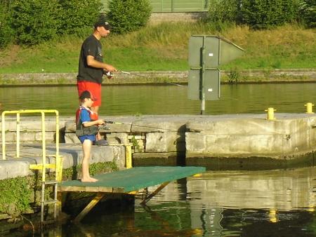Emmener les gamin à la pêche... 1911