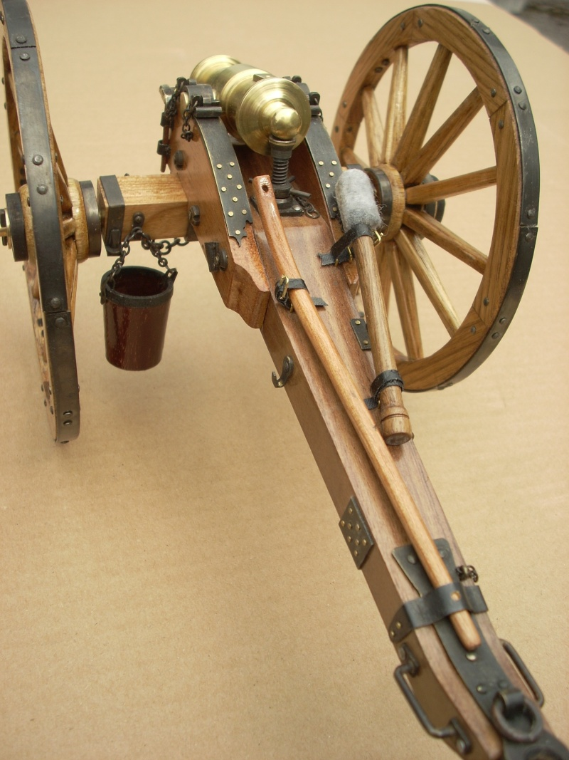 Obusier howitzer anglais, sur affût de campagne Dscn4511