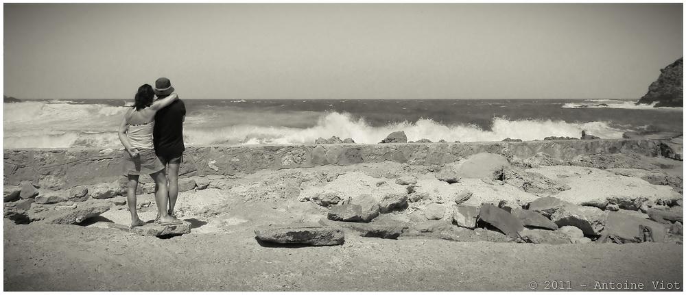 Face à la mer déchaînée... P7144211