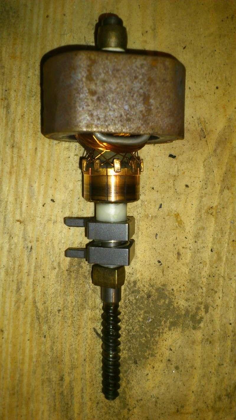 [TUTO] réparation antenne électrique XJ Dsc_0126