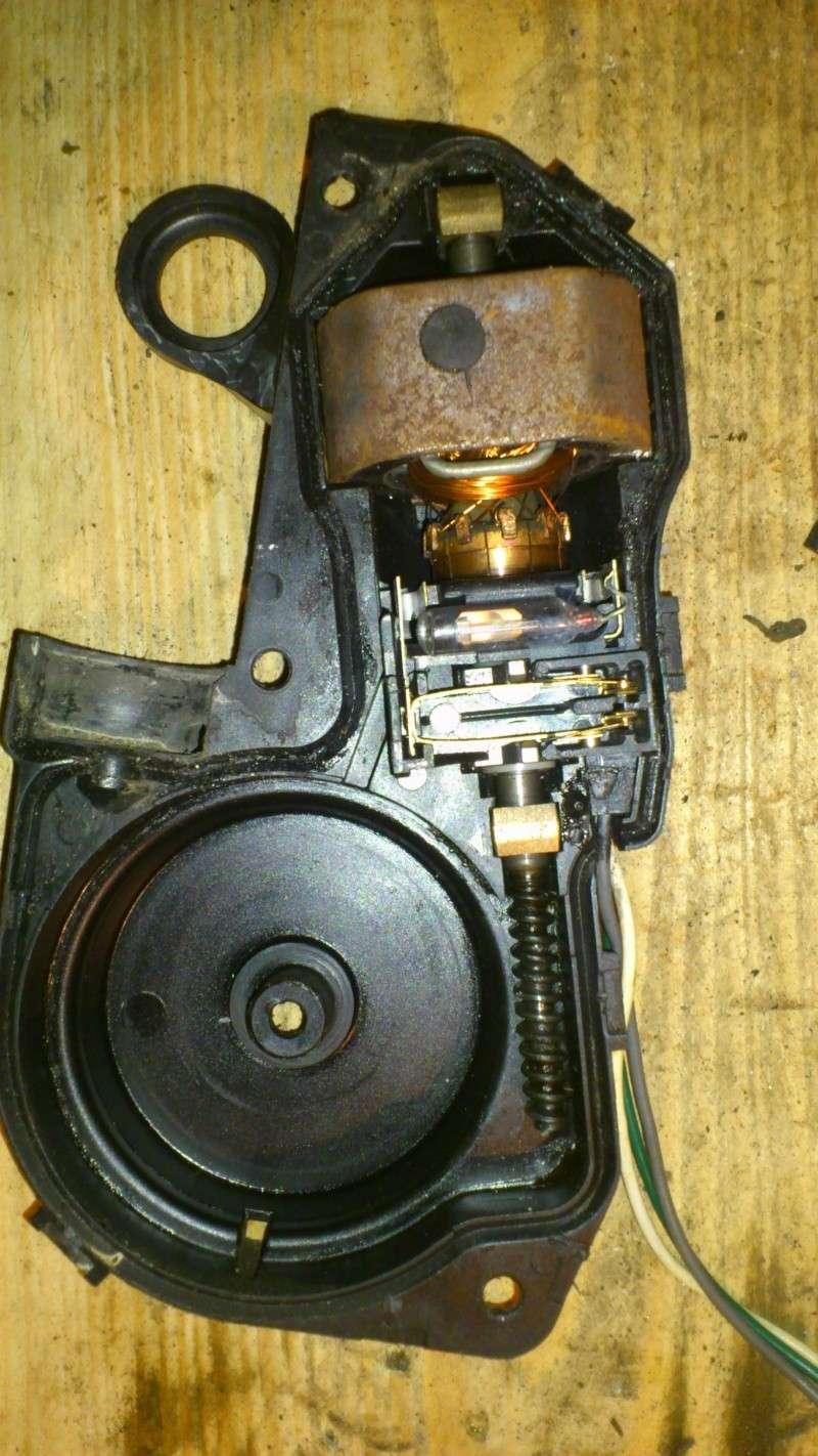 [TUTO] réparation antenne électrique XJ Dsc_0131