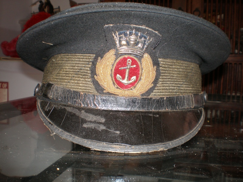 Latest arrival Merchant Navy ww2 and 1960 22 ieme regiment visor cap P7220010