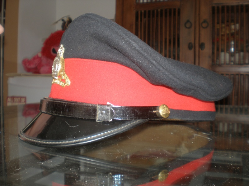 Latest arrival Merchant Navy ww2 and 1960 22 ieme regiment visor cap P7220016