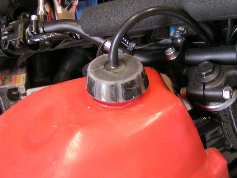 Réparation bouchon réservoir Pict0037