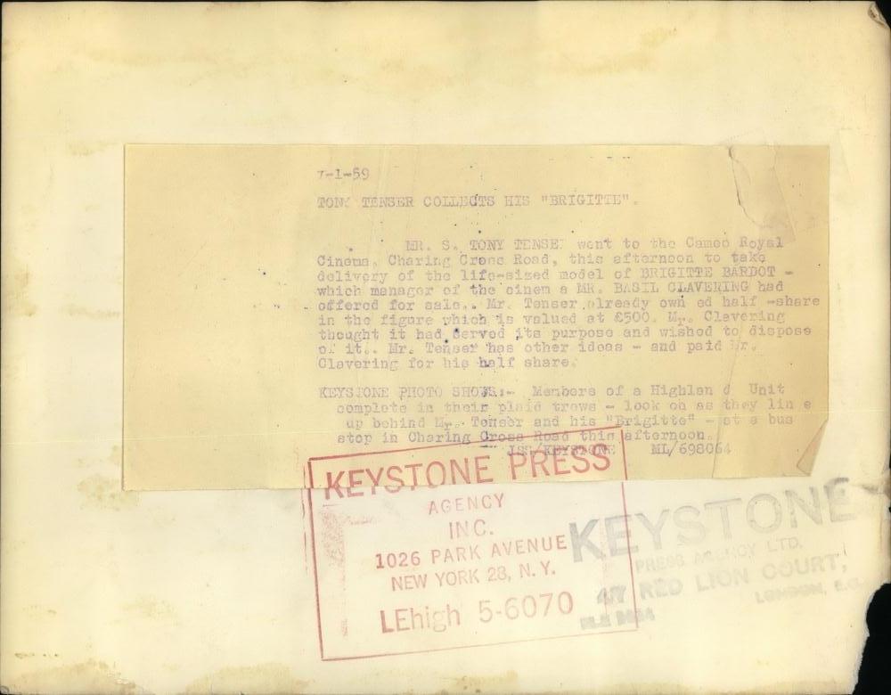 BB au musée Grevin - Page 5 48215411