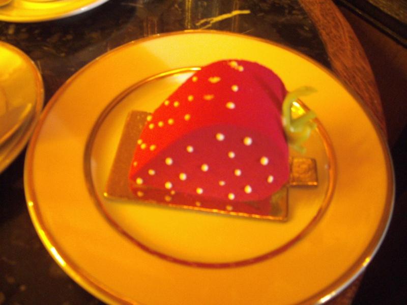 Gâteaux et autres friandises inspirés par Marie Antoinette - Page 3 Pict1110