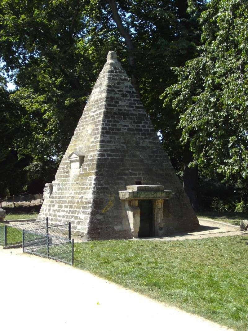 La Folie de Chartres ou le Parc Monceau Pict2612