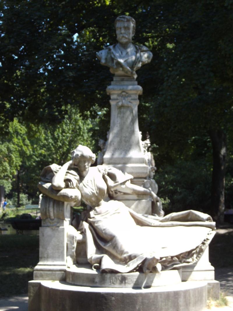 La Folie de Chartres ou le Parc Monceau Pict2629