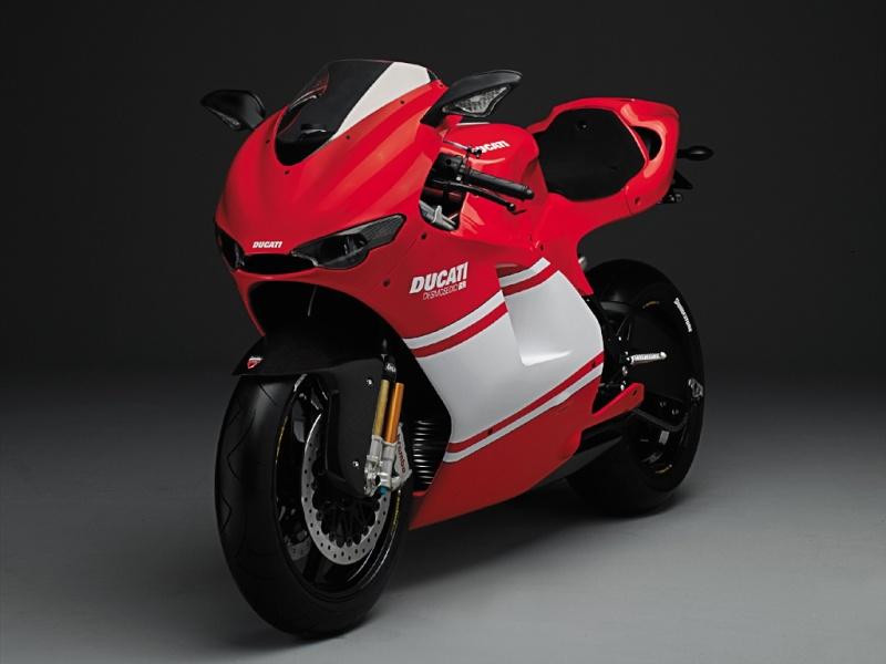 750 Gsxr K7 piste/route. Ducati10