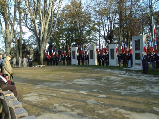 Hommage aux morts pour la France de la guerre d'Algerie 5 decembre a Vannes Dsc01110