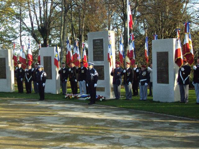 Hommage aux morts pour la France de la guerre d'Algerie 5 decembre a Vannes Dsc01210