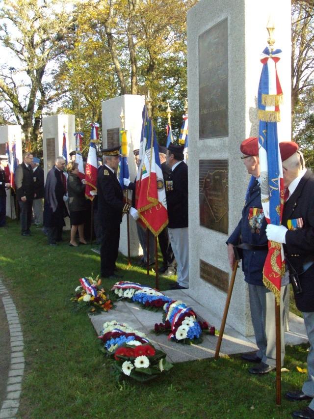 Hommage aux morts pour la France de la guerre d'Algerie 5 decembre a Vannes Dsc01212