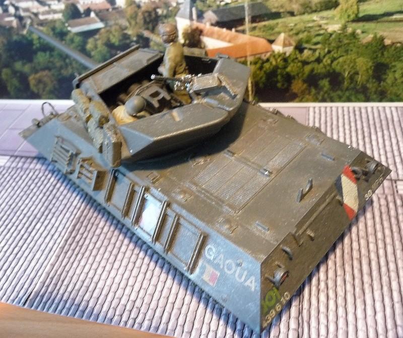 Tank destroyer M10 du 8 éme régiment de chasseurs d'Afrique -Tamiya 1/35éme P1040013