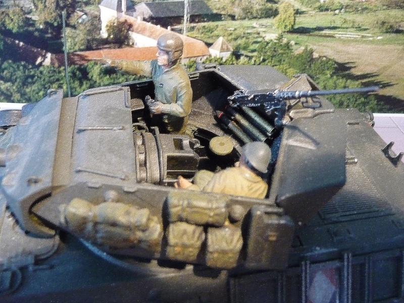 Tank destroyer M10 du 8 éme régiment de chasseurs d'Afrique -Tamiya 1/35éme P1040014