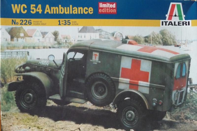 ITALERI 1/35-  AMBULANCE WC 54 -  1ére Armée française - P1040119