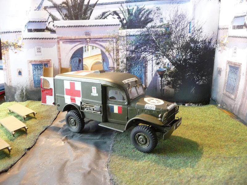 ITALERI 1/35-  AMBULANCE WC 54 -  1ére Armée française - P1040120