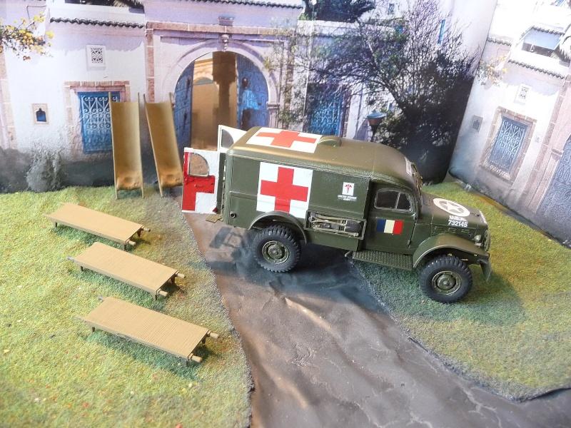 ITALERI 1/35-  AMBULANCE WC 54 -  1ére Armée française - P1040121