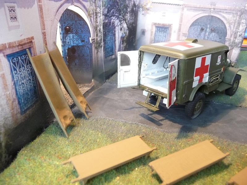 ITALERI 1/35-  AMBULANCE WC 54 -  1ére Armée française - P1040122