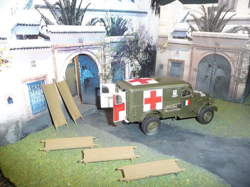ITALERI 1/35-  AMBULANCE WC 54 -  1ére Armée française - P1040123