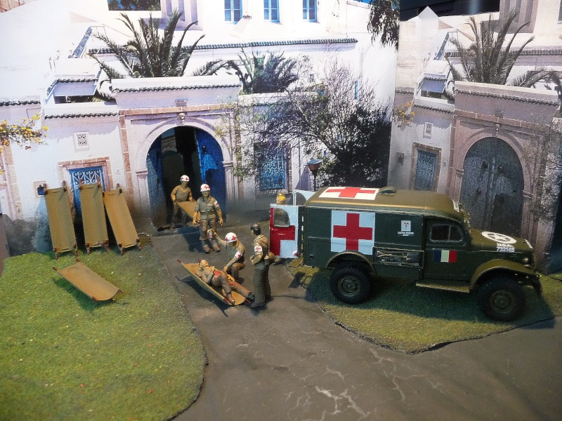 ITALERI 1/35-  AMBULANCE WC 54 -  1ére Armée française - P1040134
