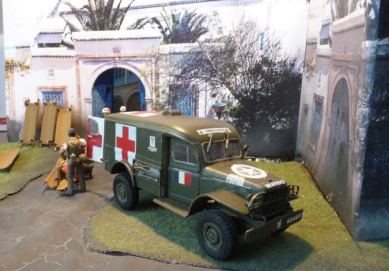 ITALERI 1/35-  AMBULANCE WC 54 -  1ére Armée française - P1040137