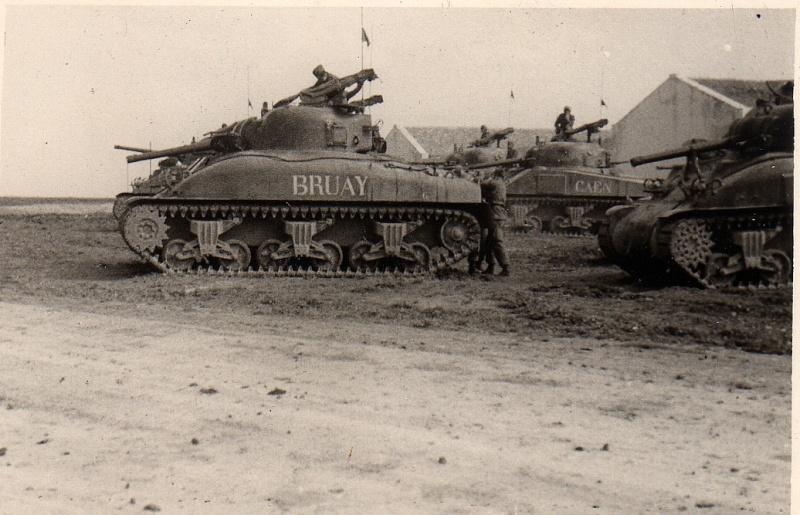 Mes Sherman M 4 ALMA & EKMÜL- 1951/53 - 8éme Cuir 1er escadron Sans_t72