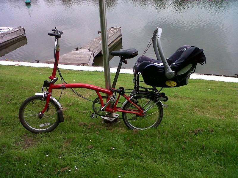 Transporter bébé et enfant sur son Brompton, récap ! Brompt12