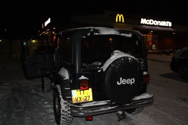 Jeep in the snow Img_2421