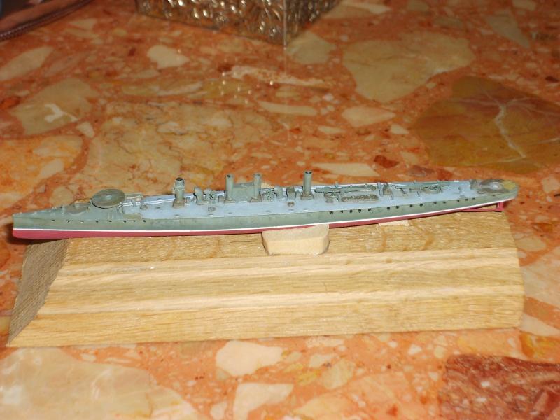 Croiseur SMS Scharnhorst Combrig + torpilleur Strérégutchy échelle 1/350è Debut des traveaux... - Page 3 S6001030