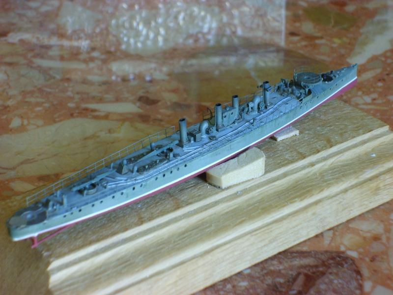 Croiseur SMS Scharnhorst Combrig + torpilleur Strérégutchy échelle 1/350è Debut des traveaux... - Page 3 S6001032