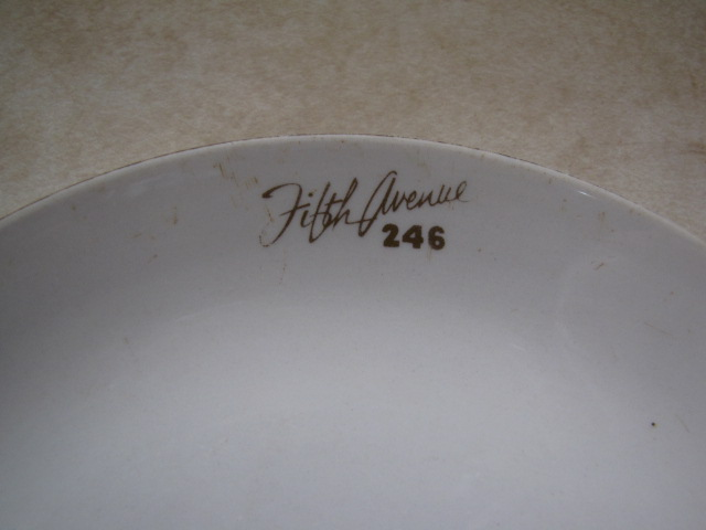 can anyone shed some light on this monogram? Crown_13