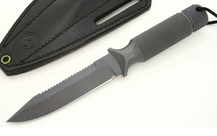 Quels couteaux de survie choisiriez vous? - Page 4 Captur29