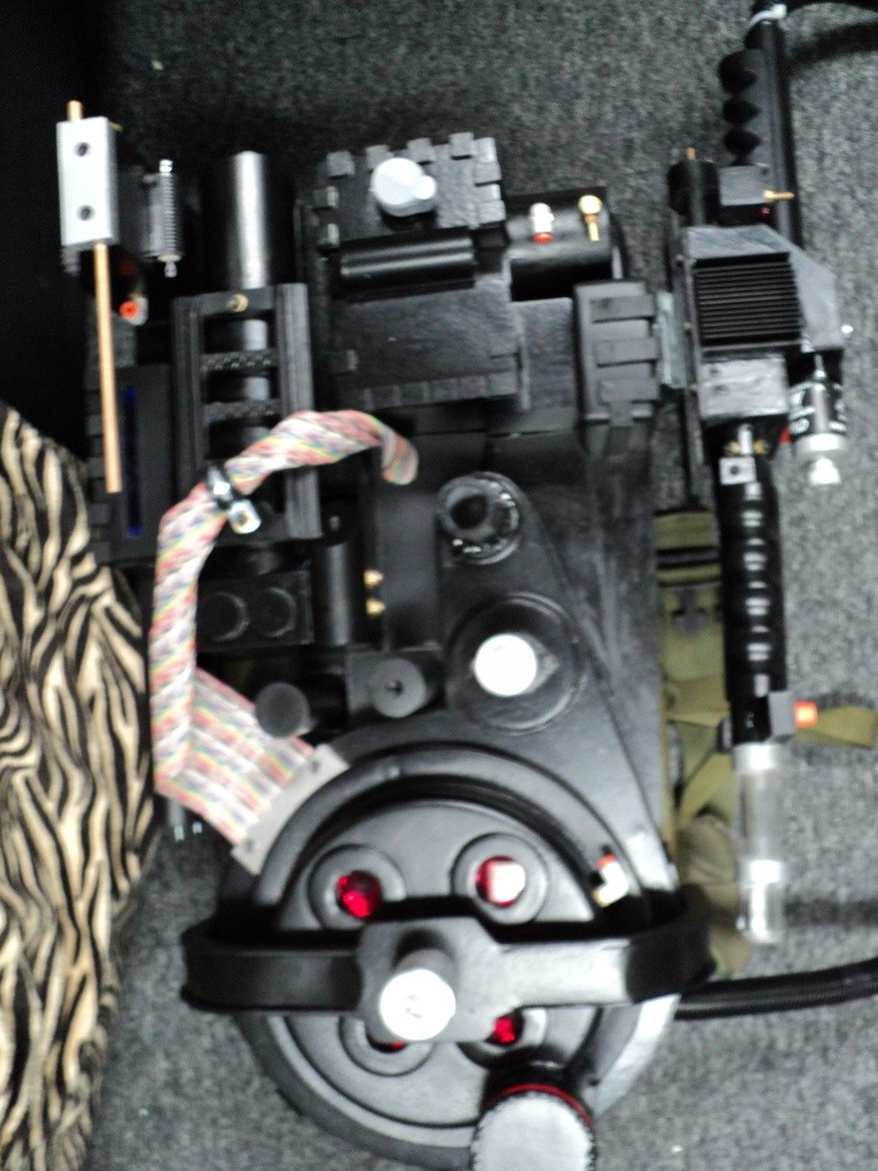 Dr.Dion's Proton pack on his way... - Page 4 Dsc01914