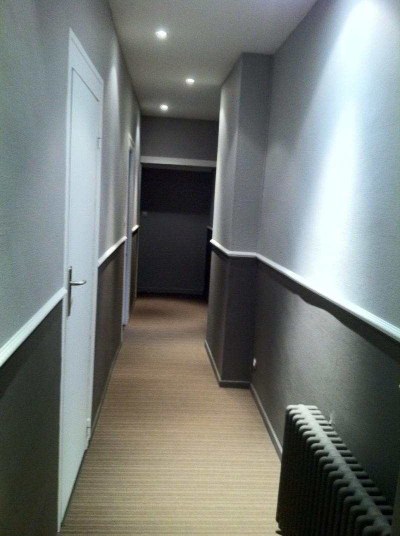 Idée De Couleur Pour Un Couloir défi: rendre chaleureux un long couloir !