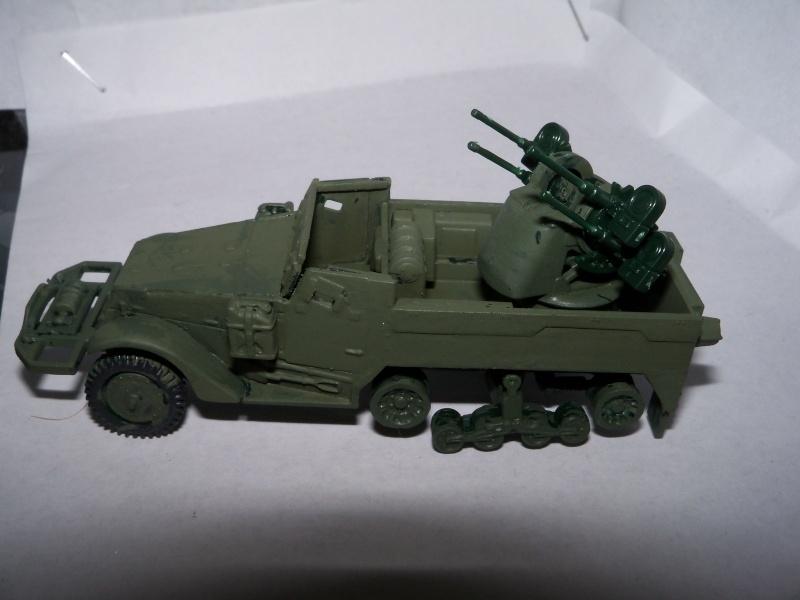 M3A1 Half-Track [Unimax 1/72] par Nicolasdu09 et M16 anti-aérien [Revell 1/76] par Panzer ==> Les faux jumeaux. - Page 2 100_1725