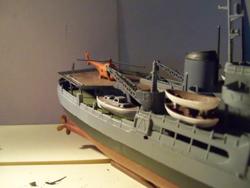 (revell) USS Burton Island  1/285 100_2611