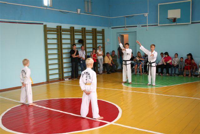 Товарищеская встреча. Посёлок Рубежный - 20 августа 2011 года Img_3610