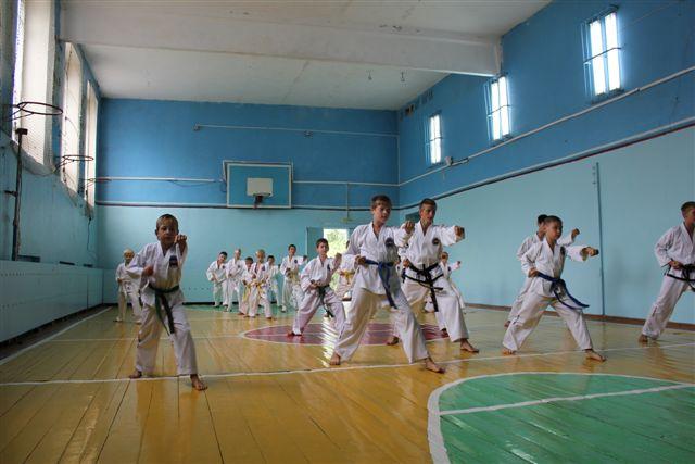 Товарищеская встреча. Посёлок Рубежный - 20 августа 2011 года Img_5011