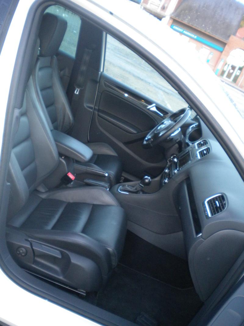 [GTD blanche 5 portes DSG] cuir/ Pack techno/toit ouvrant -novembre 2010 - Page 2 Dscn8924