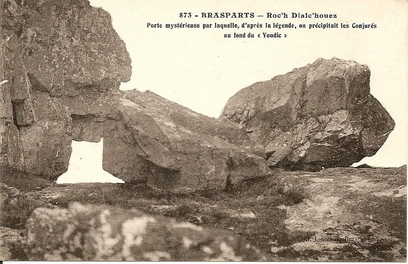 Toponymie des monts d'Arrée: ROC'H DIALC' HWEZ et ROC'H AN ANKOU Roc_h_26