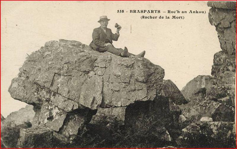 Toponymie des monts d'Arrée: ROC'H DIALC' HWEZ et ROC'H AN ANKOU Roc_h_28