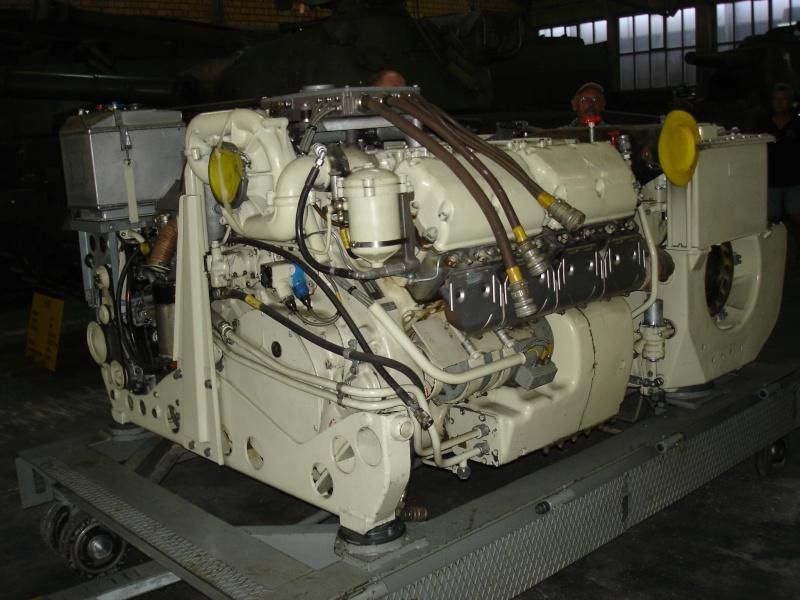 Moteur Char Armée Suisse Modèle 68 Dsc02010