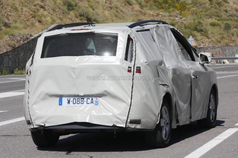 2011 - [Renault] Scénic III Restylé [J95] 11933210