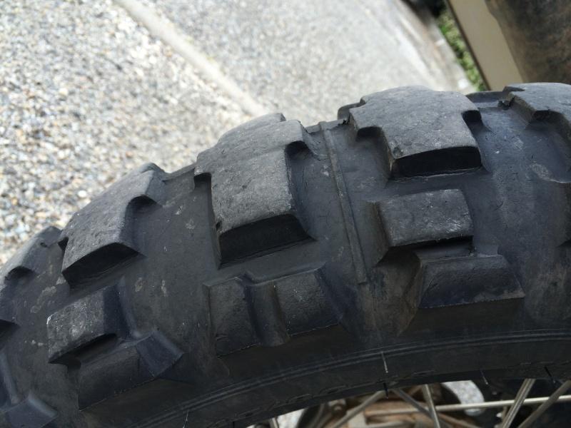 Michelin desert race ou Dunlop D908 RR Img_4911