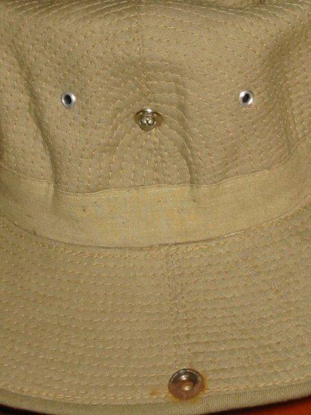 Le chapeau de broussse français 120-2010