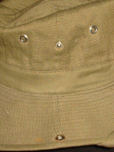 Le chapeau de broussse français 120-2011