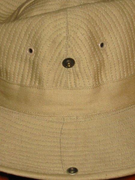 Le chapeau de broussse français 120-2012